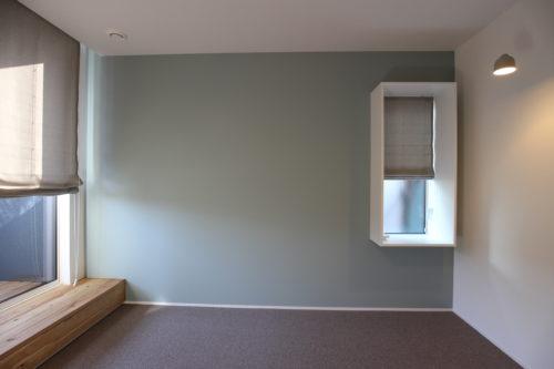 出窓がオシャレな寝室